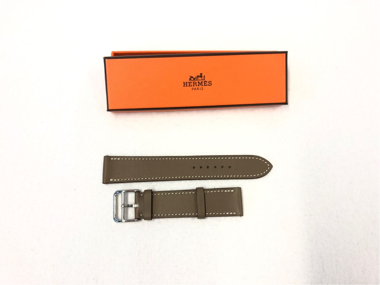 Hermes Armband fuer die Uhr Cape Cod, 29 x 29 W090ISWWK18