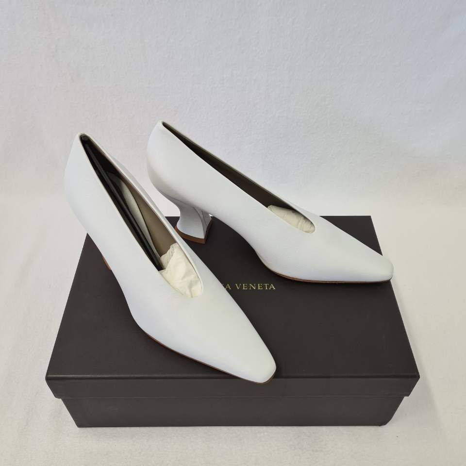 Bottega Veneta Almond leather pumps 1206701