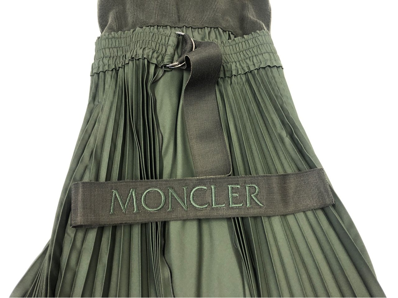 Moncler KLEID fuer Damen Military green 23471478576411257