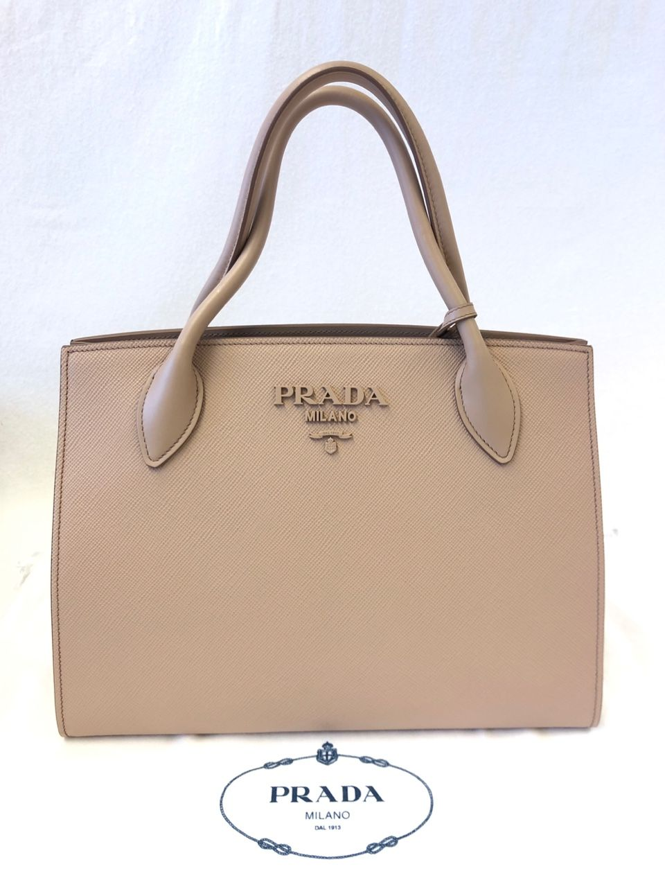 Prada Galleria Medium leather tote P00434932