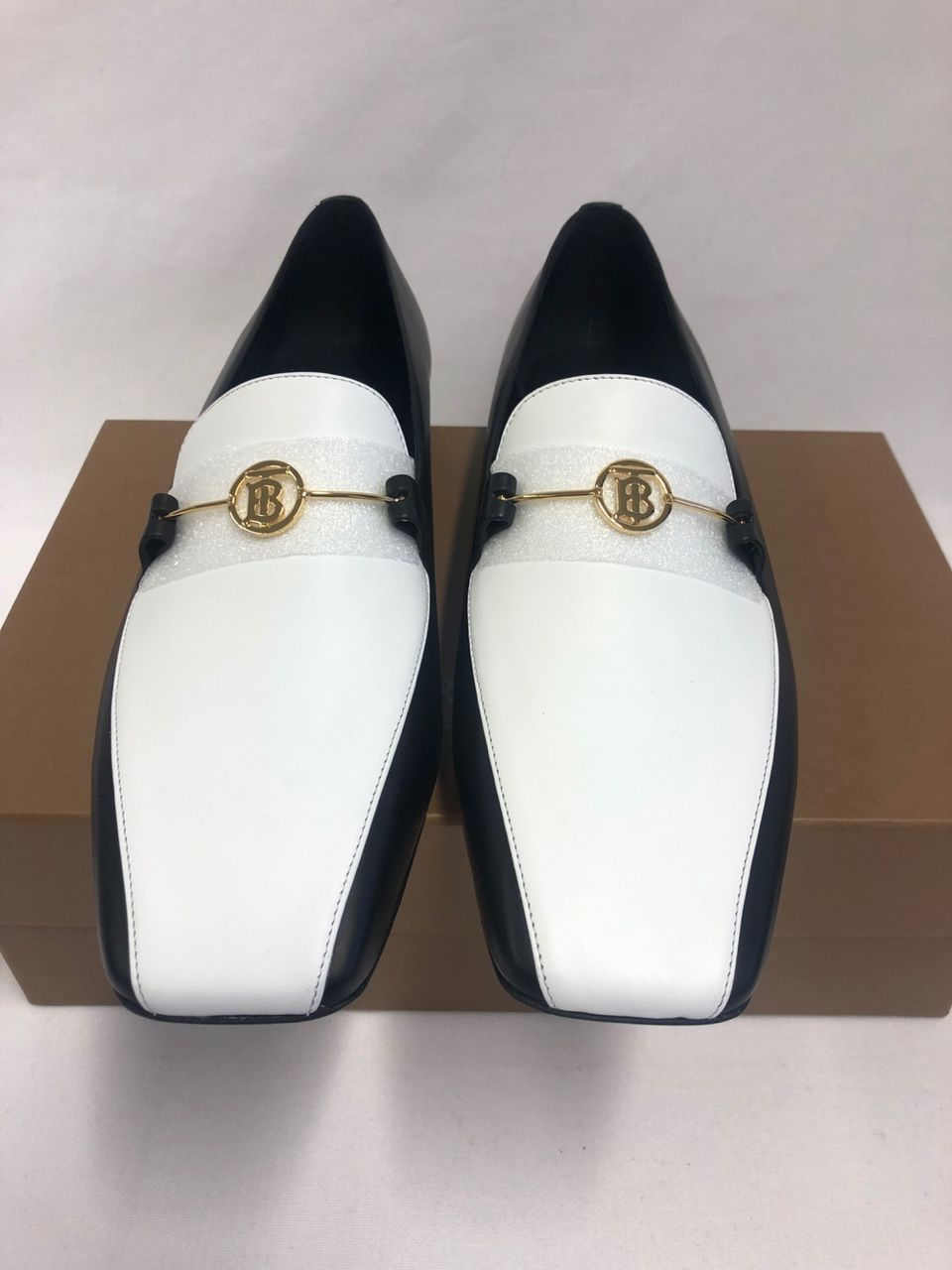 Burberry Almerton leather loafers P00397089